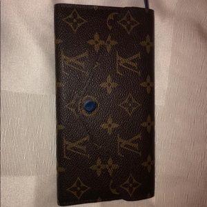 100% authentic Louis Vuitton Josephine wallet 💙💛